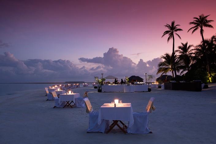 Conrad Maldives Beach Dining